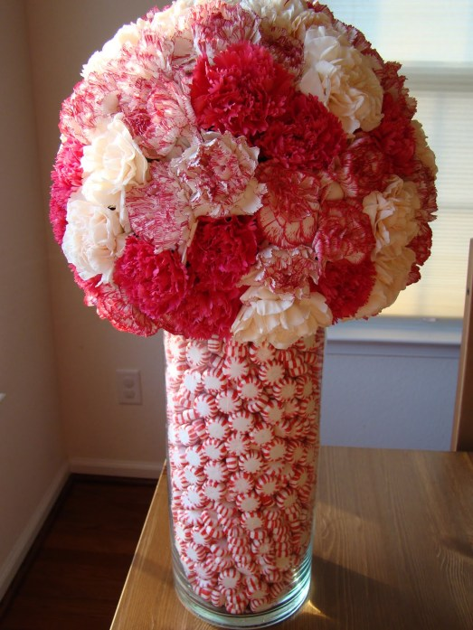 Centerpiece-Vase-Idea-Applying-White-and-Pink-Flowers-Color-Completed-with-Red-and-White-Striped-Beads